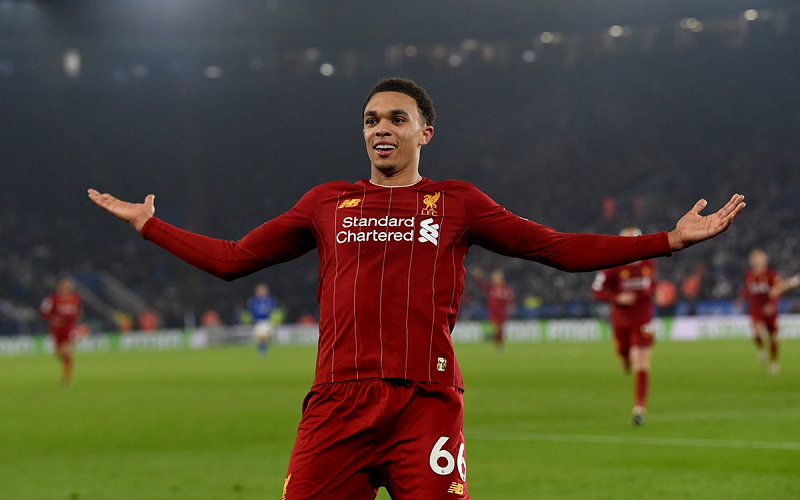 top-nhung-hau-ve-canh-noi-tieng-the-gioi-hien-nay-trent-alexander-arnold